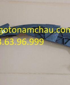 95B807889F Chân Bắt Cản Trước Porsche Macan (2)